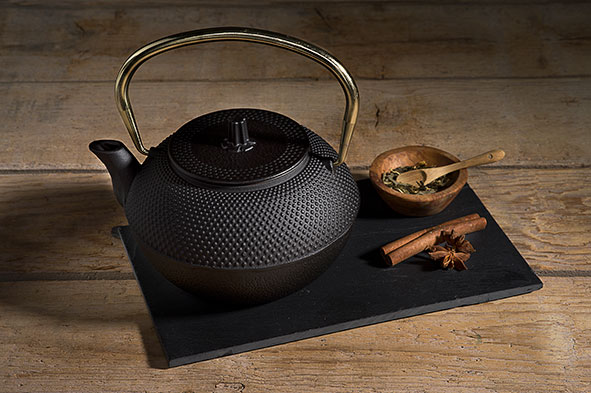 Shinto black and gold theepot 1.2l
